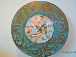 Идея декорирования часов «Поет над розою восточный соловей»