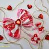Яркий бантик – украшение ко Дню всех влюбленных