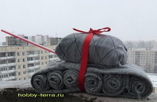 podarok-na-23-fevralia-3-odejda-tank