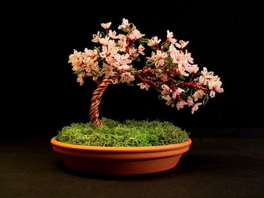 вишневое-дерево-из-бисера.  В конце концов, на бисере можно даже.