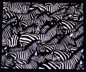 Ажурное-вырезание-из-бумаги-зебра