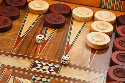 Игра-в-Нарды-–-персидский-ответ-шахматам