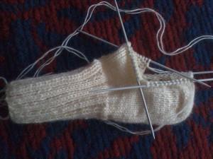 Как-связать-теплые-носочки---вяжем-основную-часть-8
