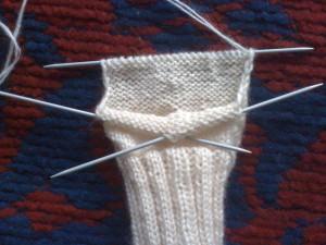 Как-связать-теплые-носочки---вяжем-пятку-2