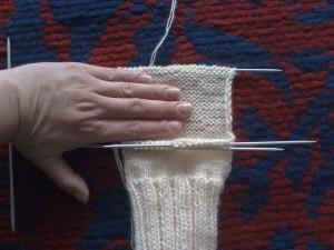 Как-связать-теплые-носочки---вяжем-пятку-6