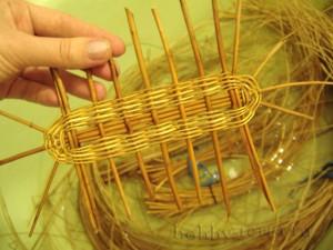Плетение-донышка---веревочка-в-два-прута