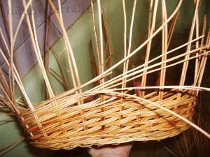 Плетение-стенок-коляски---хоровое-плетение-в-три-прута