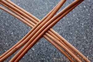 Плетение-из-лозы-корзины-для-цветочницы---крестовина