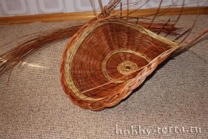 Плетение-из-лозы-корзины-для-цветочницы---косичка