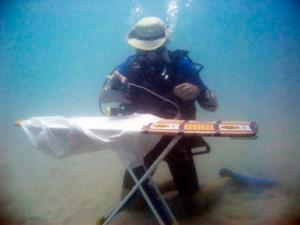 Экстримальное-глаженье-под-водой