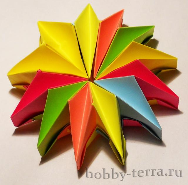 Оригами-фейерверк-из-бумаги