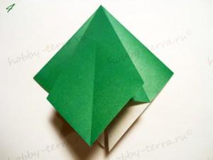 Новогодняя-оригами-елка-4