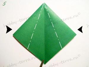 Новогодняя-оригами-елка-5