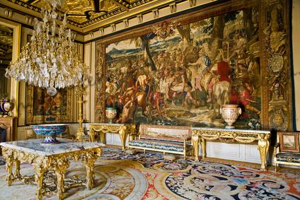 Французские-гобелены-–-сочетание-красоты-и-истории---Интерьер-в-замке-Фонтейнблю