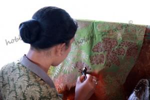 изготовление-батика-использование-колпака