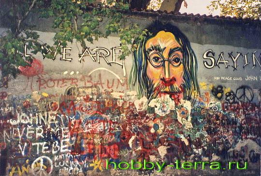 стена Леннона