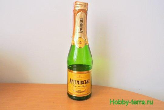 01-Staryye vospominaniya. Ideya dekorirovaniya butylki shampanskogo