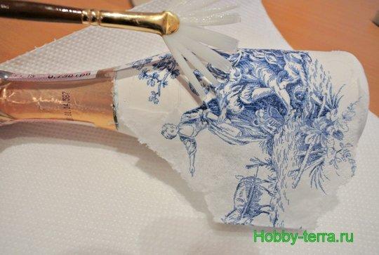 06-Staryye vospominaniya. Ideya dekorirovaniya butylki shampanskogo
