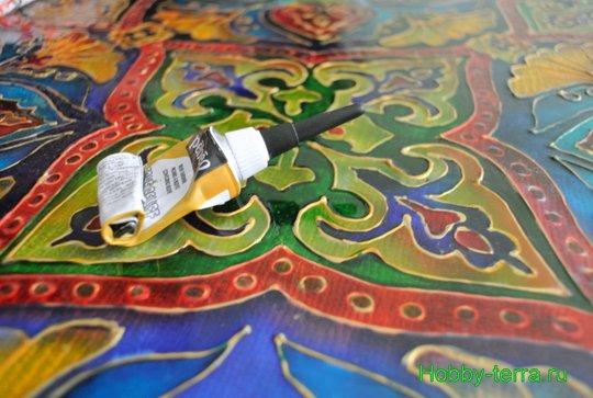 Ideya dekorirovaniya prostenka v vannoy vitrazhom-20