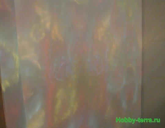 Ideya dekorirovaniya prostenka v vannoy vitrazhom-29
