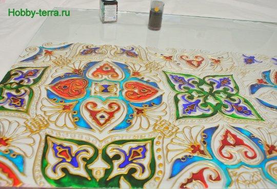 Ideya dekorirovaniya prostenka v vannoy vitrazhom-6
