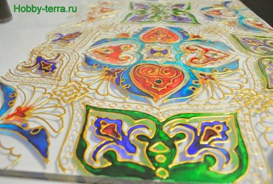 Ideya dekorirovaniya prostenka v vannoy vitrazhom-8
