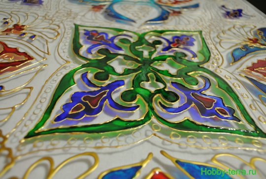 Ideya dekorirovaniya prostenka v vannoy vitrazhom-9