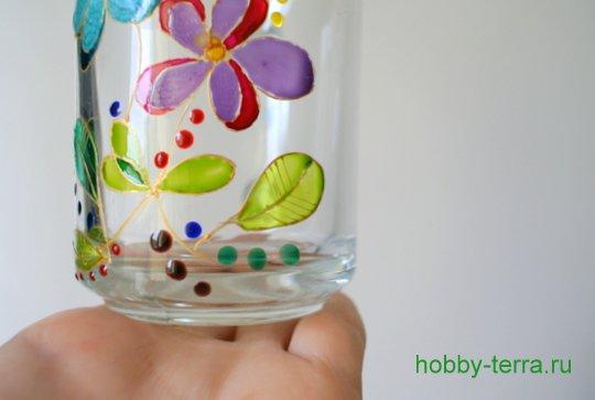 15-2014-12-01_Ideya po dekorirovaniyu kruzhki vitrazhnymi kraskami Volshebnyye tsvety