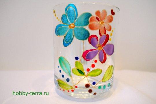 17-2014-12-01_Ideya po dekorirovaniyu kruzhki vitrazhnymi kraskami Volshebnyye tsvety