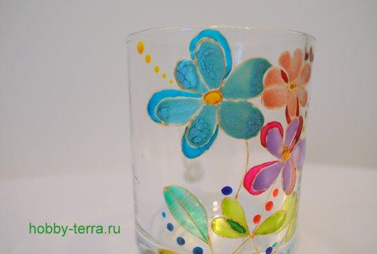 20-2014-12-01_Ideya po dekorirovaniyu kruzhki vitrazhnymi kraskami Volshebnyye tsvety