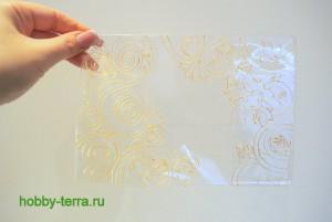 06-Ideya dekorirovaniya oblozhki dlya pasporta vitrazhnymi kraskami