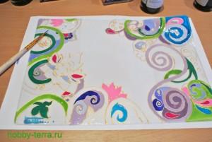 10-Ideya dekorirovaniya oblozhki dlya pasporta vitrazhnymi kraskami