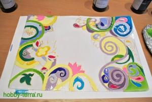 11-Ideya dekorirovaniya oblozhki dlya pasporta vitrazhnymi kraskami