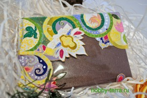 17-Ideya dekorirovaniya oblozhki dlya pasporta vitrazhnymi kraskami