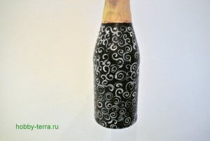 5-2015-02-02_Ideya dekorirovaniya butylki shampanskogo Beloye na chernom
