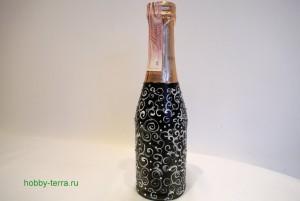 7-2015-02-02_Ideya dekorirovaniya butylki shampanskogo Beloye na chernom