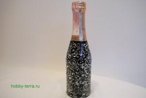 8-2015-02-02_Ideya dekorirovaniya butylki shampanskogo Beloye na chernom