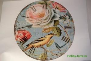 04-2015-04-20 Ideya dekorirovaniya chasov Poyet nad rozoyu vostochnyy solovey
