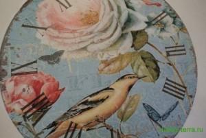 06-2015-04-20 Ideya dekorirovaniya chasov Poyet nad rozoyu vostochnyy solovey