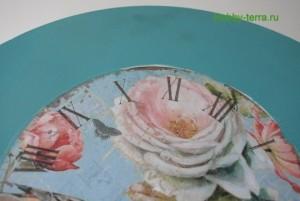 11-2015-04-20 Ideya dekorirovaniya chasov Poyet nad rozoyu vostochnyy solovey
