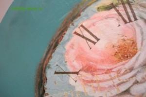 13-2015-04-20 Ideya dekorirovaniya chasov Poyet nad rozoyu vostochnyy solovey