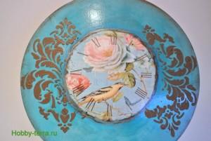 21-2015-04-20 Ideya dekorirovaniya chasov Poyet nad rozoyu vostochnyy solovey