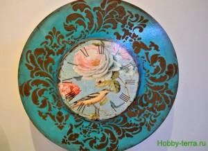 22-2015-04-20 Ideya dekorirovaniya chasov Poyet nad rozoyu vostochnyy solovey
